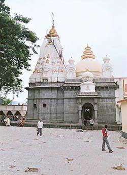 Vajreshwari entered Indra's vajra to slay the demon Kalikat