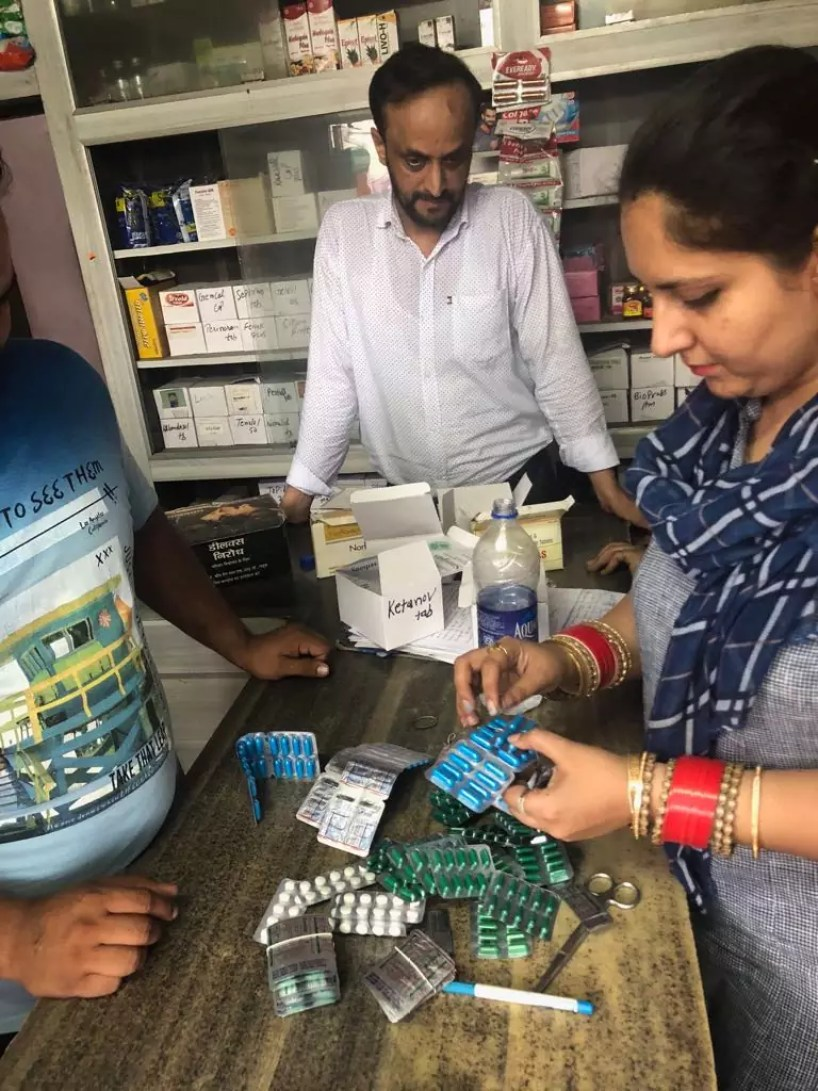 MISSION TANDARUST PUNJAB- JOINT TEAM OF POLICE AND HEALTH DEPARTMENT SEIZE MEDICINES WORTH RS 1.47 LAKH STORED ILLEGALLY FROM A HOUSE IN BASTI GUZAN