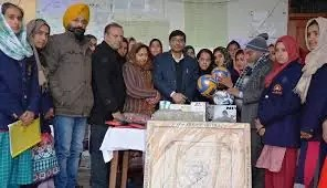 DC Poonch visits Bal Ashram, Girls Pahari Hostel, Narinekatan
