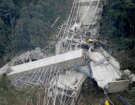 Colombian bridge Collapse Kills Nine Workers, Injures Five