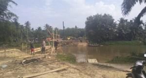 Salah satu jembatan penghubung antar desa di Rohul, yang akan dibangun melalui dana Bankue Provinsi Riau 2018