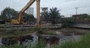 Normalisasi di Sungai Pabrik Bagansiapiapi dikerjakan pada bulan Juni Tahun 2018.