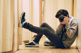 boy dp with camera