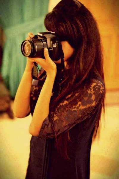 stylish-girl-dp-with-camera