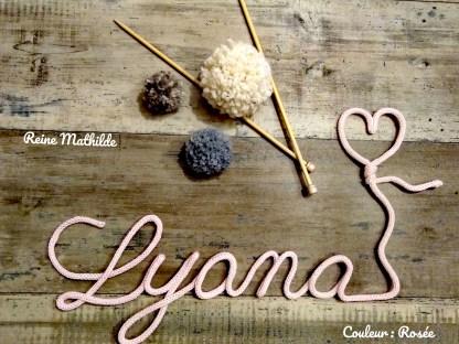 Prénom Lyana au tricotin