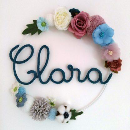Clara couronne tricotin avec fleurs