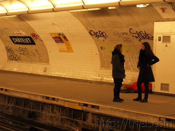 Metro Girls, Paris