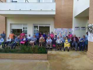 Los mayores de la residencia de Trigueros en la celebración del Día del Mayor