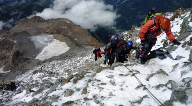 Mont Blanc limitará número de turistas diários