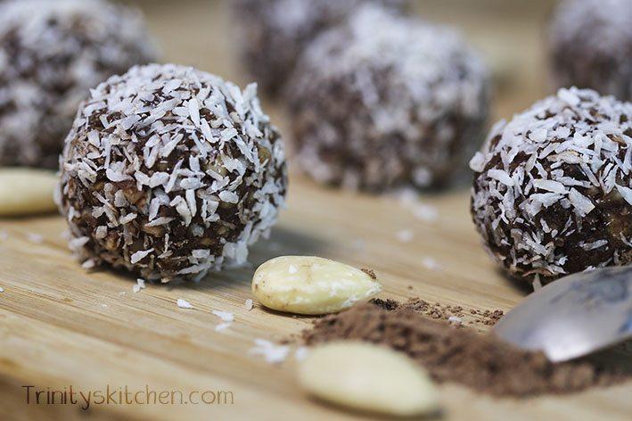 Easy Raw Chocolate & Almond Truffles
