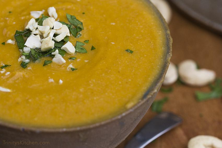 Roast cashew soup - vegan, gluten-free