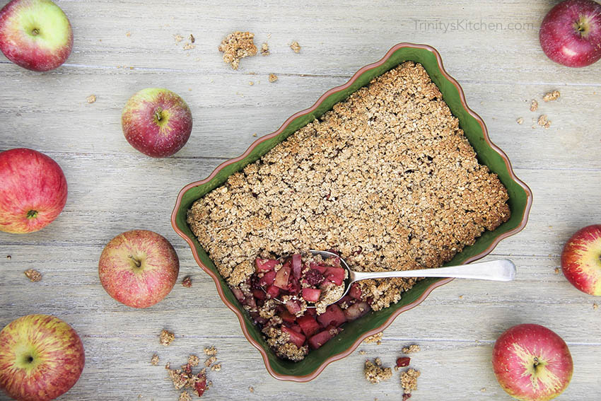 EASY Apple & Blackberry Crumble (with gluten-free, vegan, oat topping)