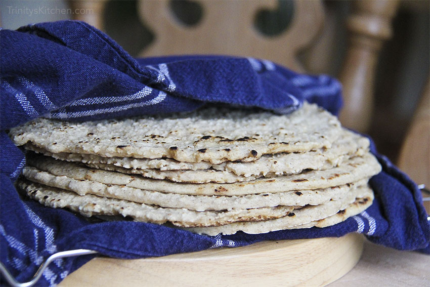 Simple Oat Wraps - using a cast iron skillet #vegan #glutenfree
