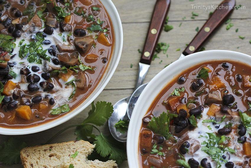 Chilli Black Bean Soup with Mushrooms by Trinity #vegan #dairyfree #glutenfree