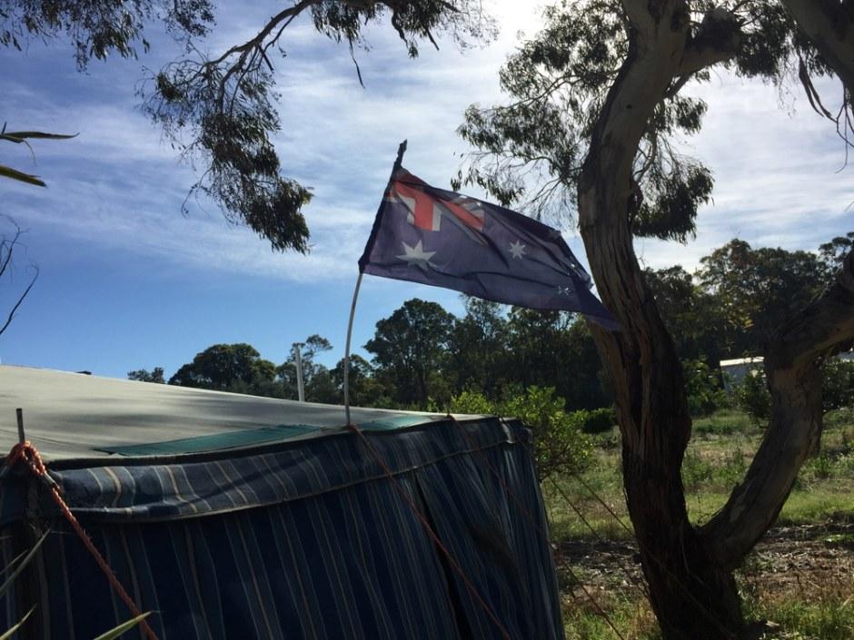 Le drapeau de notre camarade de caravan park