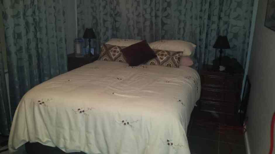 Notre liiiittt ! le premier grand lit depuis que nous avons quitté la France