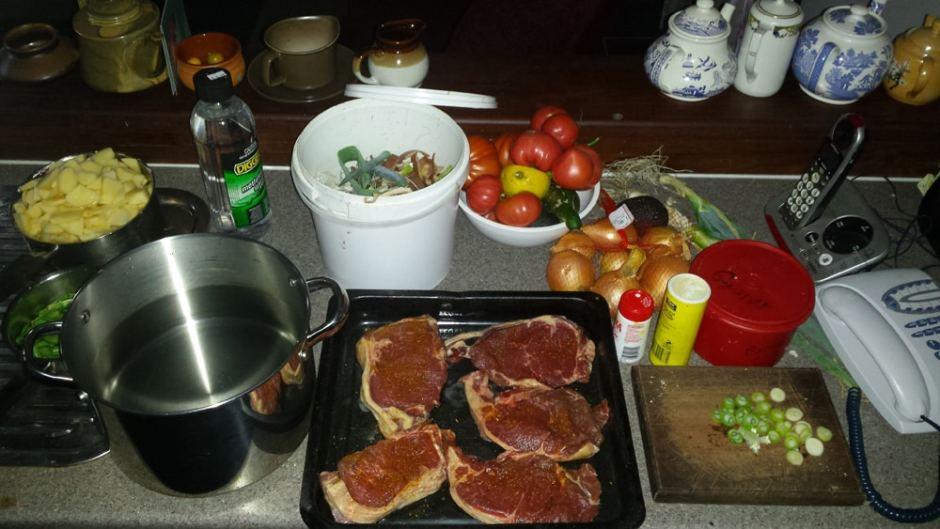 Préparation du repas avec des aliments 100% maison