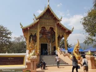 wat-phra-that-doi-kham-temple-2