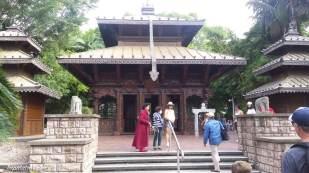 Nepalese Peace Pagoda au bord de la rivière