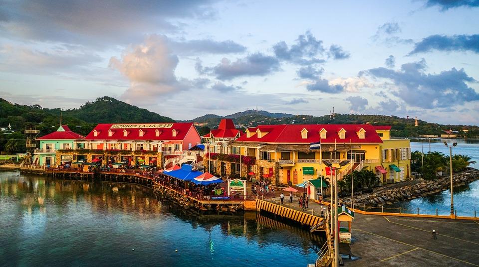 best places to visit in honduras