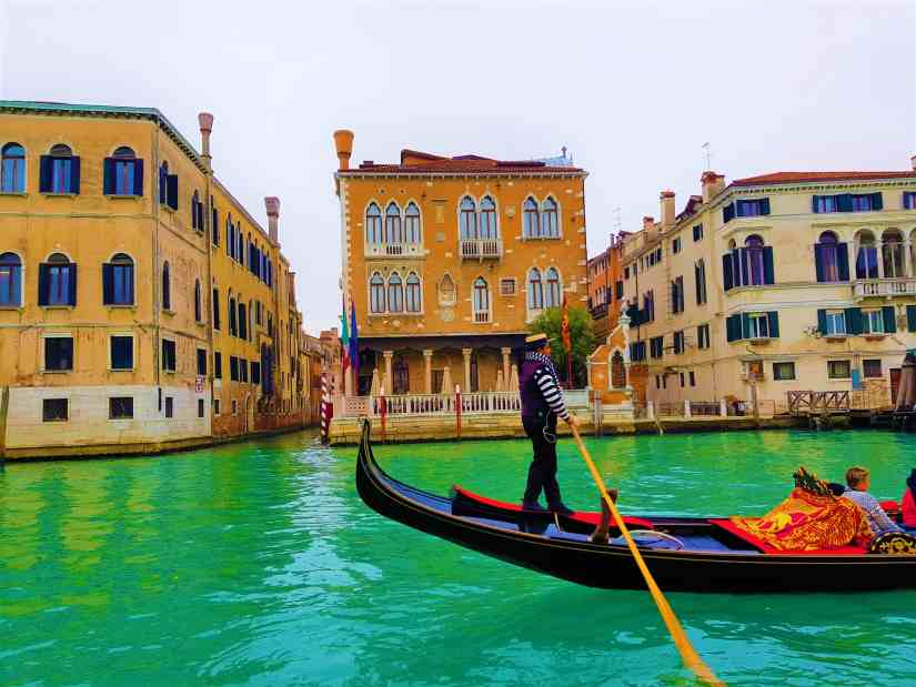 best time of year to travel to Venice Italy gondola
