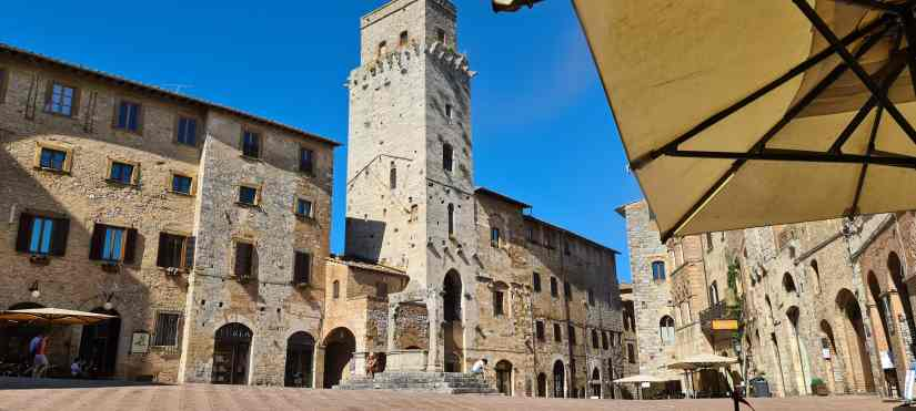 Day trips from Florence Top 4 beautiful cities in Tuscany: San Gimignano