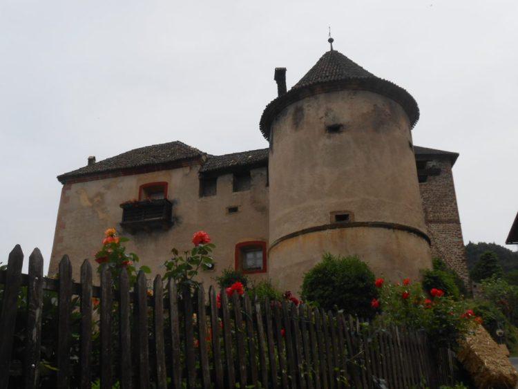 Castello di Payersberg - percorso mtb tra i castelli di nals - tripkly.com