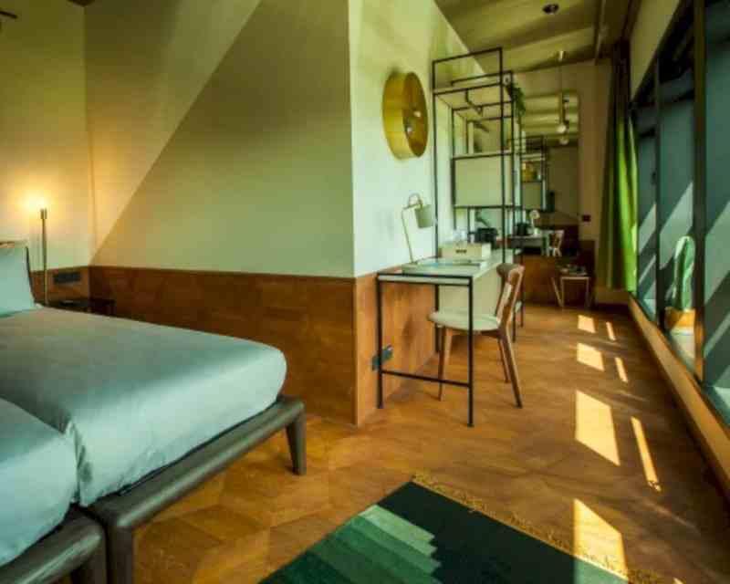 Hotel V Fizeaustraat 15