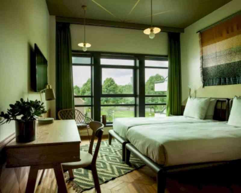 Hotel V Fizeaustraat 16
