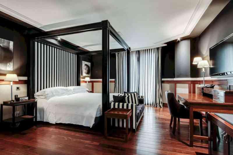 Hotel 1898 4