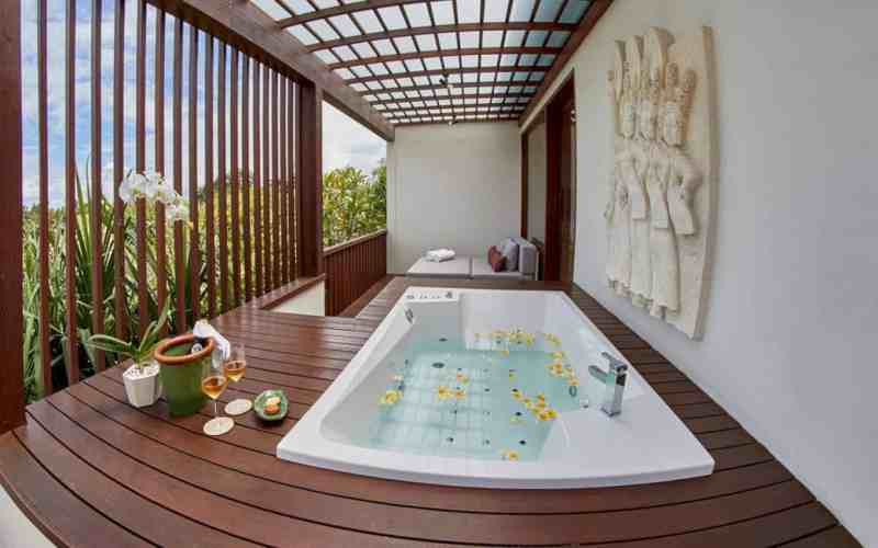 The Royal Purnama Art Suites And Villas 16