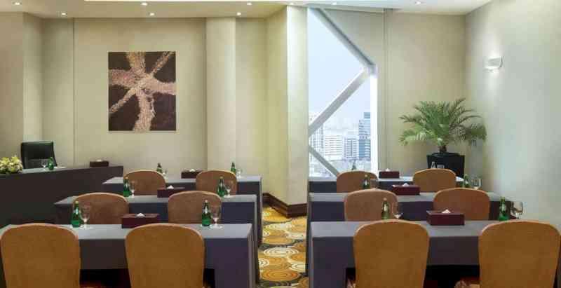 City Seasons Towers Hotel Bur Dubai 4