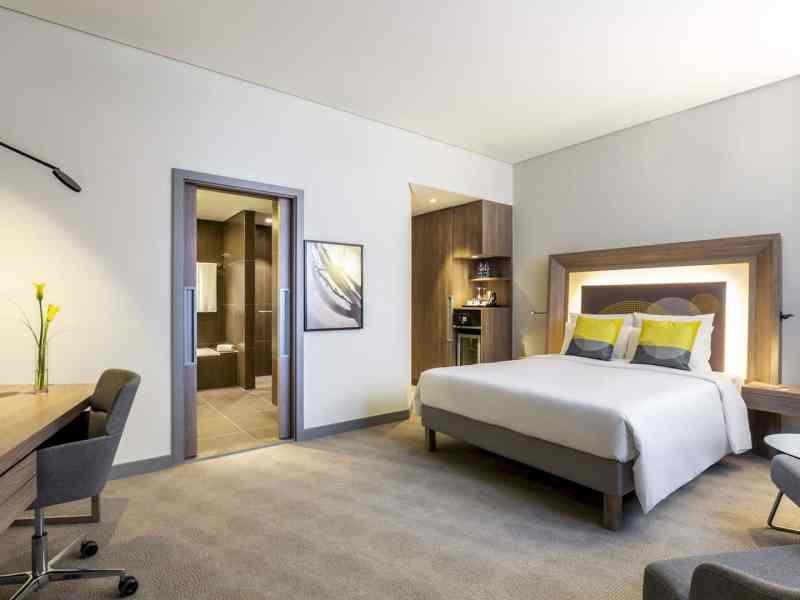 Novotel Bur Dubai Hotel 12