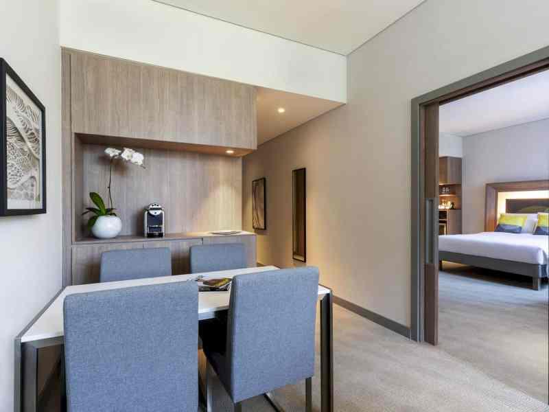 Novotel Bur Dubai Hotel 7