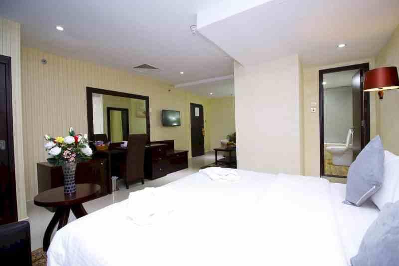 Royal Falcon Hotel 7