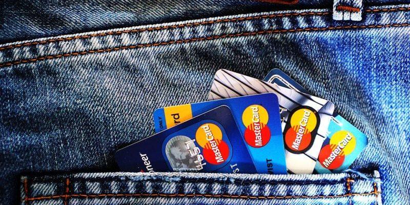 【信用卡小教室】求救!出國玩,現金信用卡被盜該怎辦?