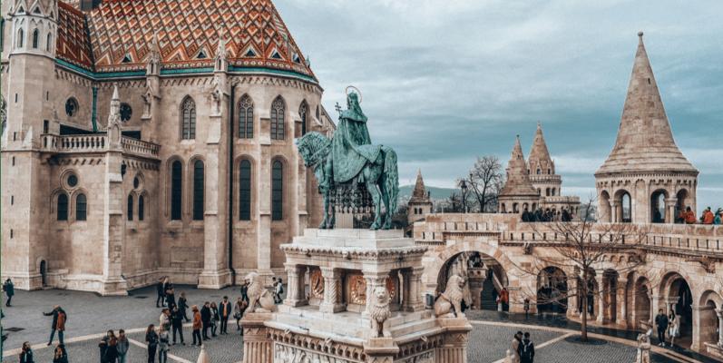 匈牙利布達佩斯|多瑙河上的珍珠!老布達城堡、新佩斯教堂等必逛市區景點