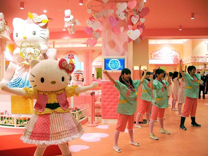 Hello Kitty Kawaii Paradise in Japan