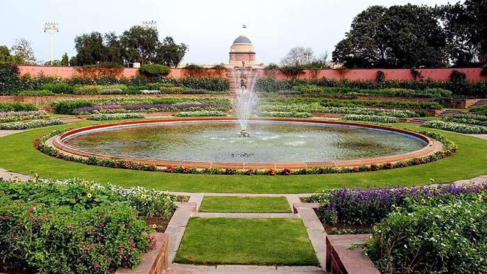 Viceroy Palace Garden, India