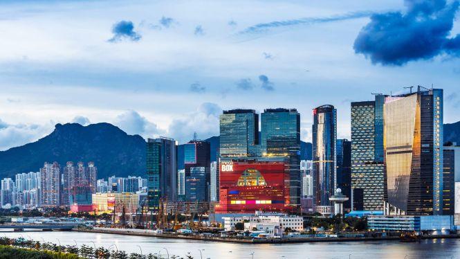 Stay Between Hong Kong Island Or Kowloon