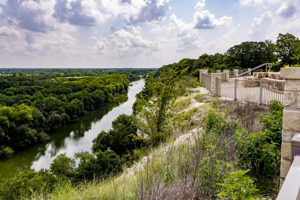 A view of the cliffs from Waco, Texas