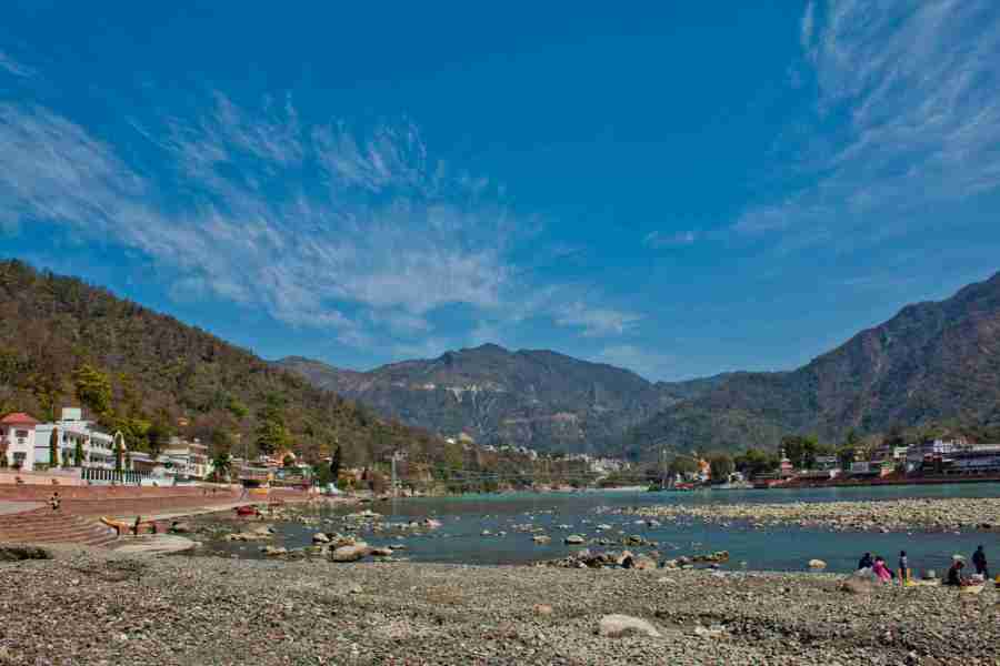 11 Top Rishikesh Ashrams for Yoga and Meditation Swami Dayananda Ashram
