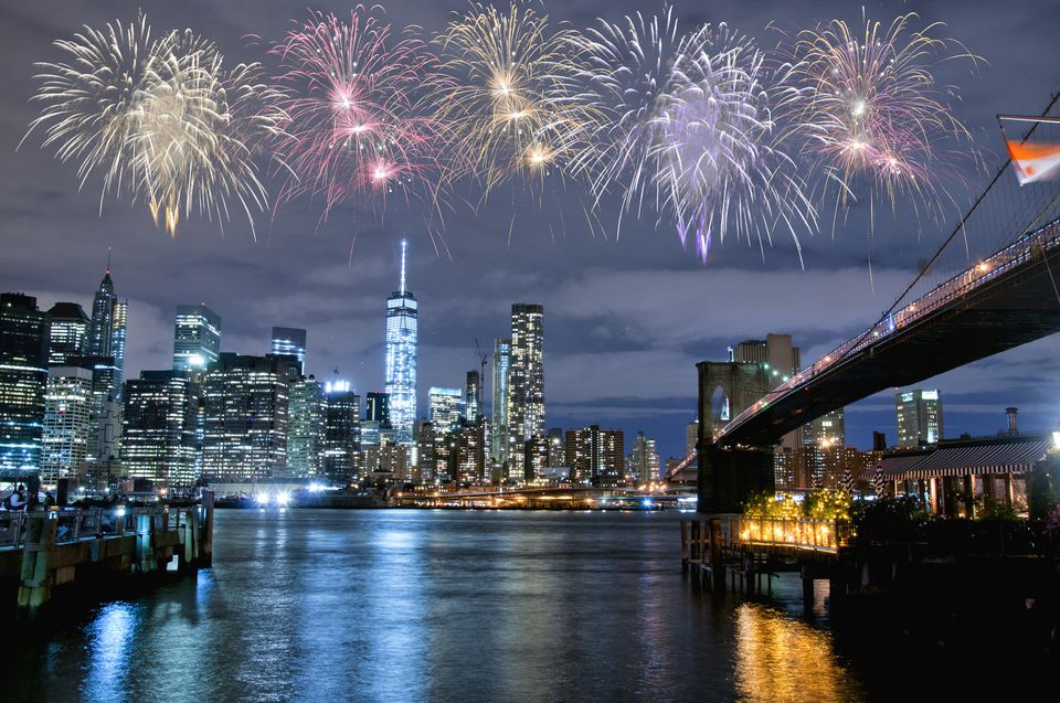 New Year s Eve Events in Brooklyn Fireworks over New York City skyline