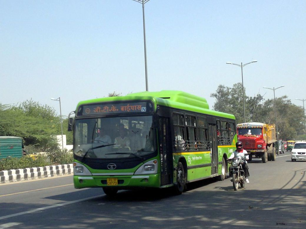 How to Travel Around Delhi by Bus