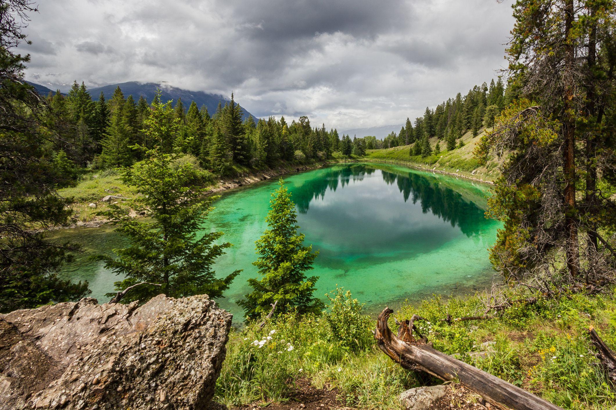 Visit Gorgeous Canadian National Parks Near The U S Border