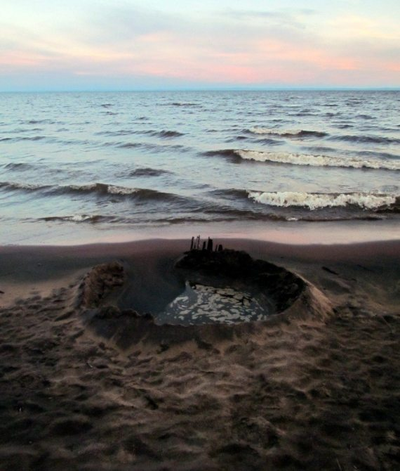 Crater on the beach at Lac St Jean