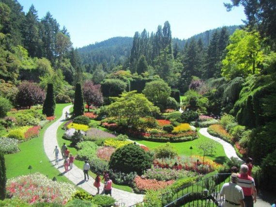What a beautiful day Mama D, Aunty J and I had at the Butchart Gardens.