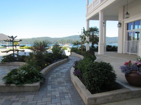 The Best Western Premier Prestige in Sooke, BC on Vancouver Island is one place Dami and I would love to stay at one day.