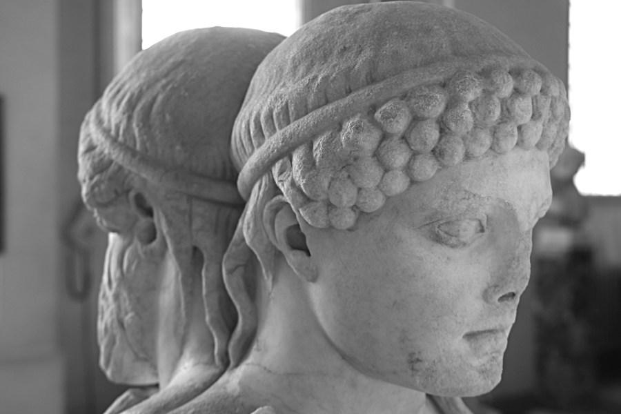 Dionysos vanhana ja nuorena Palatinuksen museossa © Leonardo Flickr.com CC