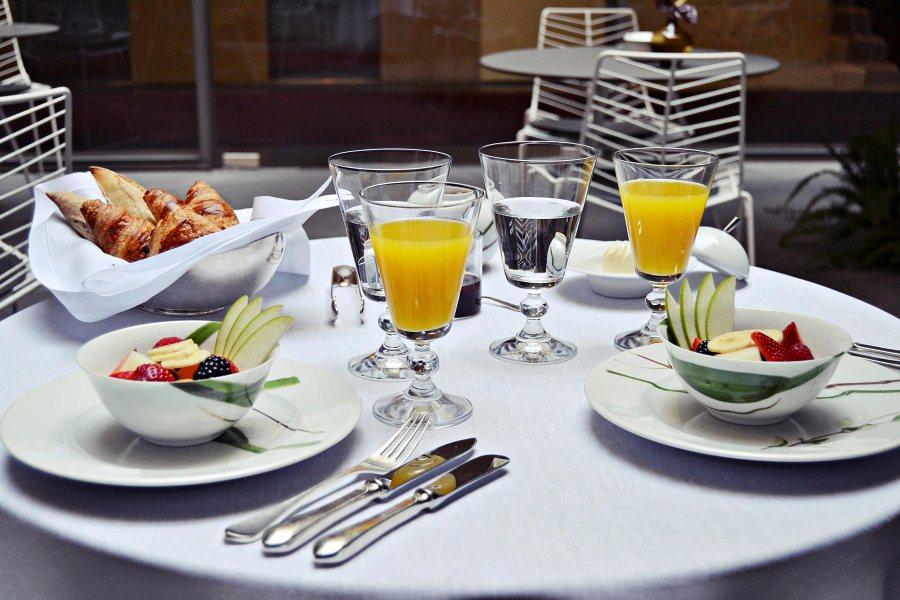 Aamiaistarjoilu. © Mercer